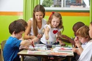Children painting with spices